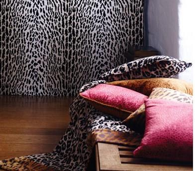 Möbelstoff Samt, Tigermuster von Osborne & Little