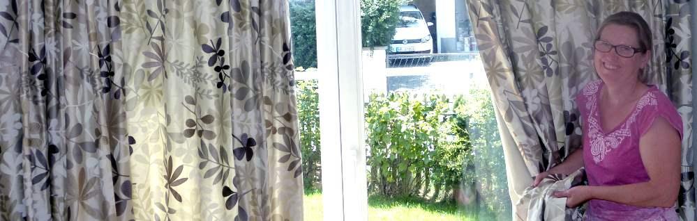elegante gef tterte seidenvorh nge von jane churchill sehen edel aus. Black Bedroom Furniture Sets. Home Design Ideas