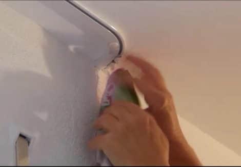 Vorhangschienen-montieren-Einklicken