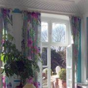 Wohnzimmervorhang mit Blumenmuster