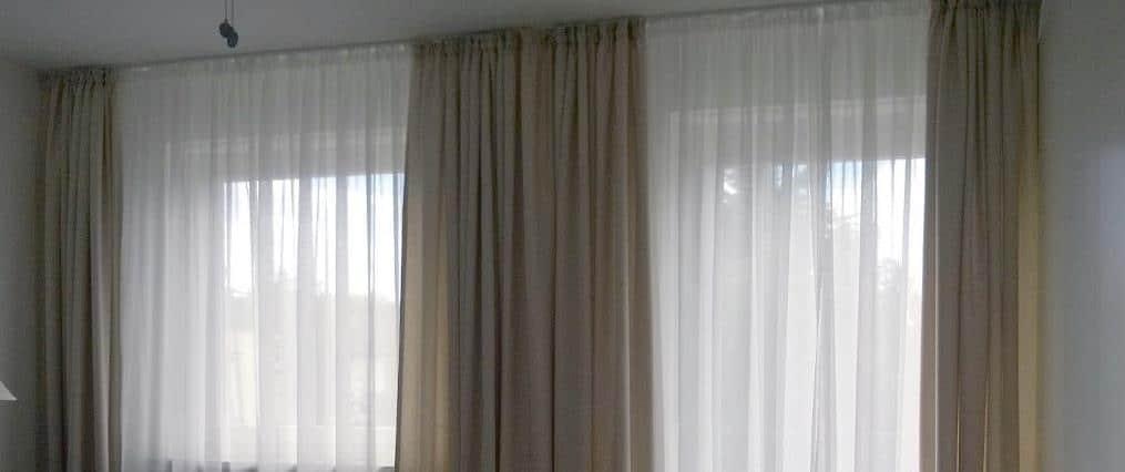 Schöne schlichte Vorhänge