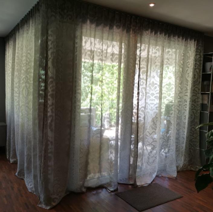Edle Gardinen für moderne Wohnung Scene 2