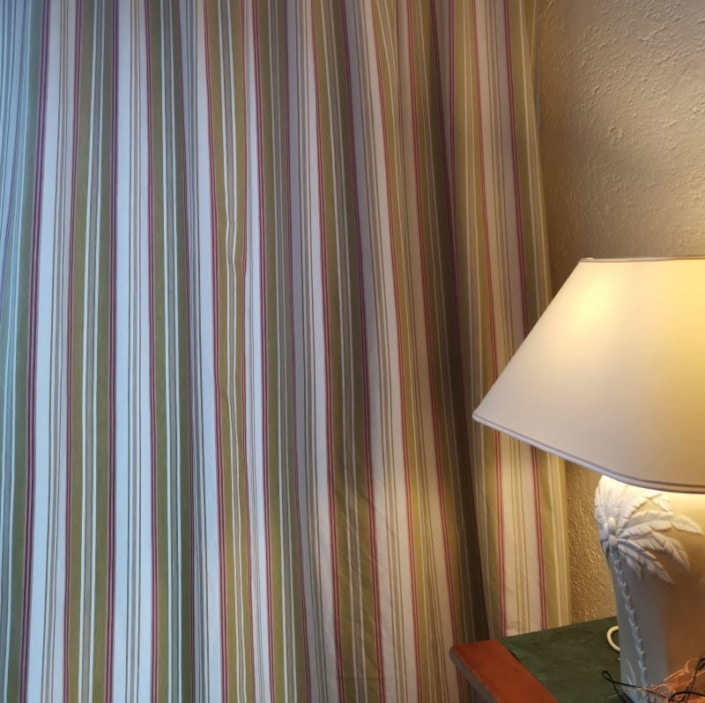 Streifenvorhänge aus Baumwolle Scene 1