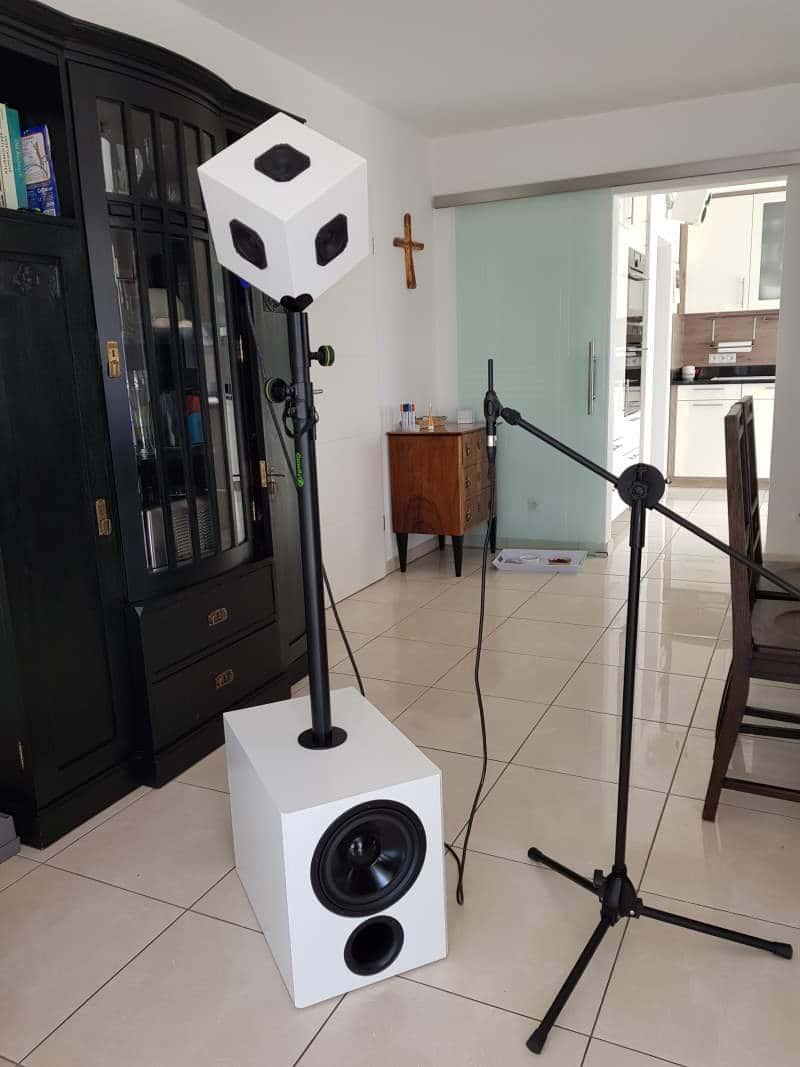 Akustikgardinen verbessern die Raumakustik - Meßgerät