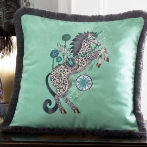 Clarke Clarke Caspian Square Cushion grün M2174-01