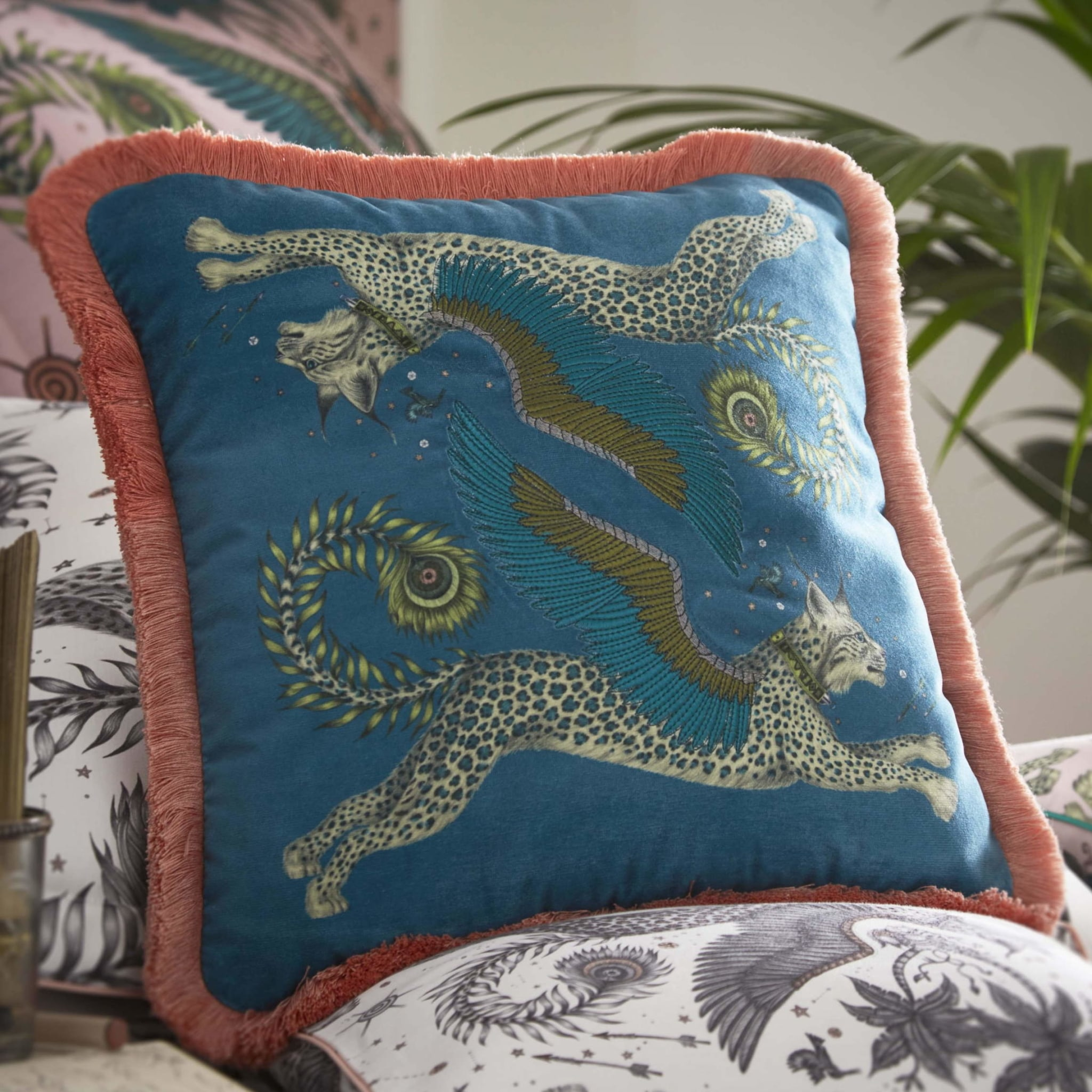 Clarke Clarke Lynx Teal Square Cushion blau M2176-01